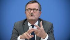 Bundesärztekammer-Präsident Frank-Ulrich Montgomery will die Zahl der Medizin-Studienplätze um 10 Prozent erhöhen. (Foto: Imago)