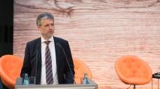 Martin Litsch sieht im Markt der Zyto-Zubereitungen mehr Einsparpotenzial als die Apotheker offerieren. (Foto: AOK Mediendienst)