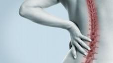 Immer mehr Menschen suchen bei Rückenschmerzen Hilfe im Krankenhaus. (Bild: underdogstudios/Fotolia)