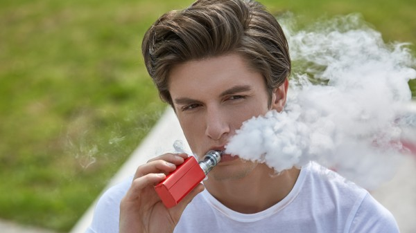 FDA sagt  E-Zigaretten den Kampf an
