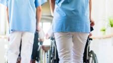 Die Bremer Heimaufsicht will ein Pflegeheim wegen der Gefahr für Leib und Leben der 63 Bewohner schließen (Foto: kzneon - Fotolia)