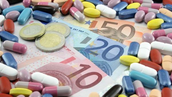 Höhere Ausgaben für Arzneimittel, weniger Rezepte