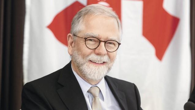 Nordrheins Kammerpräsident Lutz Engelen will veranlassen, dass DocMorris aus dem Rahmenvertrag und somit von der Versorgung ausgeschlossen wird. (Foto: AKNR)
