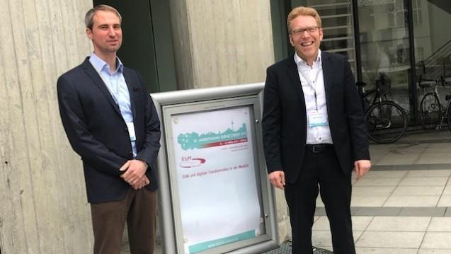 Dr. André Wilmer und Dr. Oliver Schwalbe erklärten, wie Apotheker evidenzbasiert in der Apotheke beraten können. (s / Foto: DAZ)