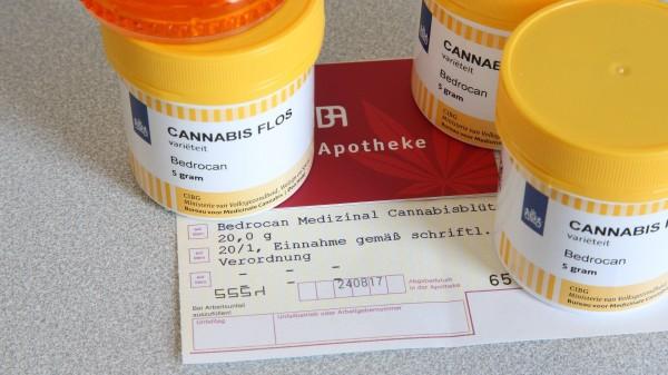 AMK: Apotheken haben bei Cannabis eine besondere Verantwortung