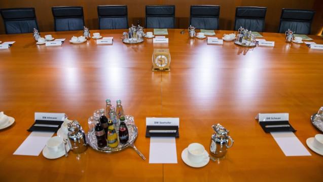 Das Apotheken-Stärkungsgesetz ist durchs Bundeskabinett, soll nun in Brüssel abgestimmt und dann ins parlamentarische Verfahren eingebracht werden. Aber wie sind die Reaktionen zum Kabinettsbeschluss? (c / Foto: imago images / E. Contini)