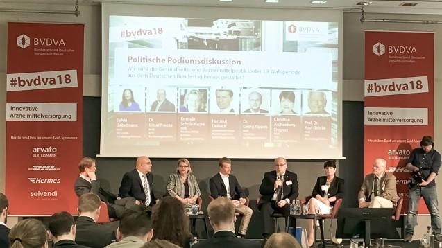 An Diskussionsrunde beim BVDVA nahmen neben BVDVA-Chef Christian Buse teil: Edgar Franke, Kordula Schulz-Asche (v. l.) sowie Axel Gehrke, Christine Aschenberg-Dugnus und Georg Kippels (v. r.) (Foto: BVDVA / Uwe Schick)