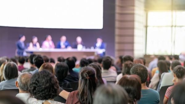 Diskutieren statt Schweigen: Welches Honorar brauchen die Apotheken?