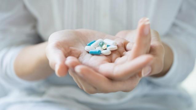 Gefahr für die Gesundheit: Laut einer Studie der EU-Kommission sollen insgesamt 7 Prozent aller eingenommenen Antibiotika ohne Verordnung beim Patienten landen, in einigen Ländern sollen diese Medikamente auch einfach vom Apotheker abgegeben werden. (Foto: rido / fotolia)