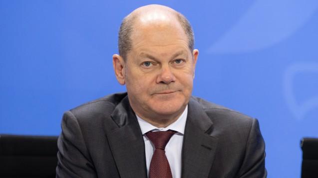 Bundesfinanzminister Olaf Scholz (SPD) will die Bonpflicht trotz heftiger Kritik weder abändern noch abschaffen. Schließlich gehe es um milliardenschweren Steuerbetrug. (c / Foto: imago images / Eibner)