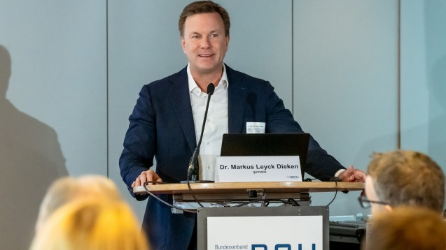 Gematik-Chef Dr. Markus Leyck-Dieken rät den E-Rezept-Modellbetreibern, sehr genau über mögliche Investments nachzudenken. (c / Foto: Pietschmann/BAH)