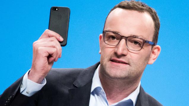 Bundesgesundheitsminister Jens Spahn (CDU) will die nächste Generation der eGK aufs Handy holen. (Foto: dpa)