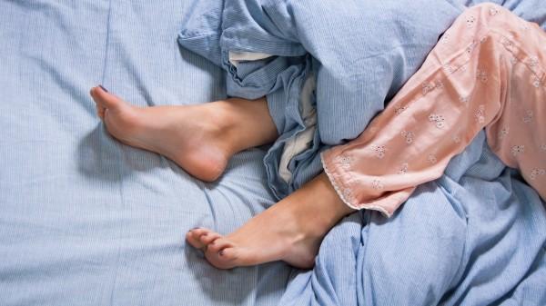 Bei Restless Legs an serotonerge Arzneimittel denken