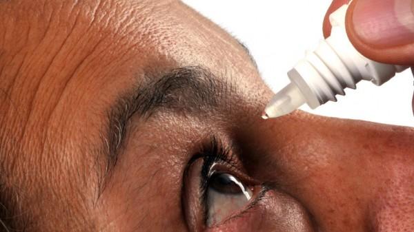 Neue Nebenwirkungen bei Bimatoprost-Augentropfen