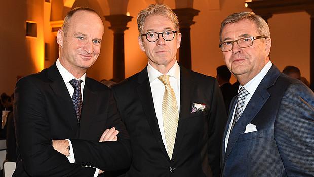ABDA-Präsident Friedemann Schmidt, KBV-Chef Dr. Andreas Gassen und KZBV-Chef Dr. Wolfgang Eßer (v.l., Foto: Violetta Odenthal)