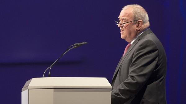 Widerstand des Apothekers: DAV-Vorstand Fritz Becker (hier auf der Expopharm 2015) gibt Kontra. (Foto: A. Schelbert)