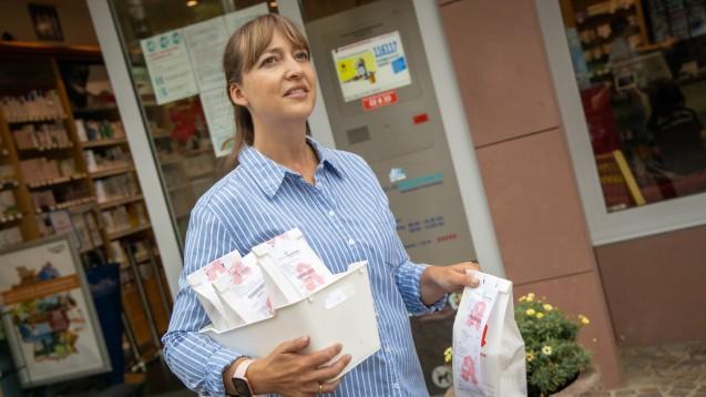 Bis Ende Dezember können die Apotheken 2,50 Euro für den Botendienst abrechnen. (Foto: Schelbert)