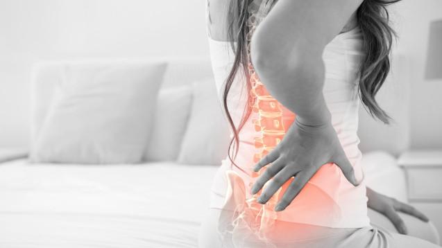 Hilft Vitamin D gegen chronische Schmerzen? Ein Cochrane Review beschäftigt sich mit der Wirksamkeit von Vitamin D bei rheumatoider Arthritis, Kniearthrose, Fibromyalgie und diffusen Schmerzen des Bewegungsapparats. (m / Foto:WavebreakMediaMicro / stock.adobe.com)