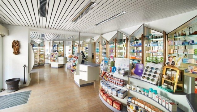 ... und konnte fortan dem wachsenden Angebot an rezeptfreien Medikamenten, Kosmetika und Körperpflegeprodukten Raum bieten.