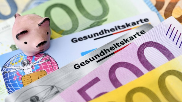 Eigentlich soll durch den Ausbau der Telematik und die eGK Geld gespart werden - bisher kostete die 14-jährige Entwicklung anderthalb Milliarden Euro. (b / Foto: Imago)