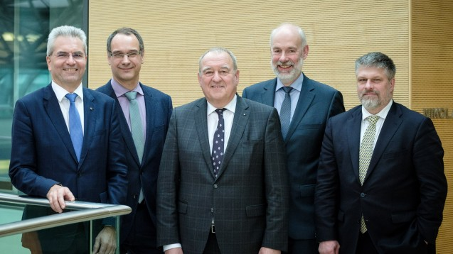 Die neue DAV-Spitze: Dr. Hans-Peter Hubmann, Stefan Fink, Fritz Becker, Berend Groeneveld, Thomas Dittrich (v.l.n.r). (Foto: ABDA)