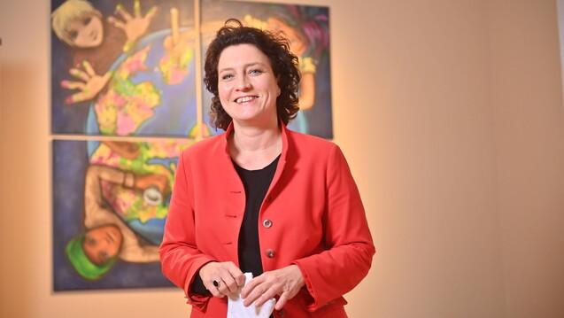 20 Jahre gesundheitspolitische Erfahrung: Die Sozialdemokratin Carola Reimann wird im nächsten Jahr Chefin des AOK-Bundesverbands. (Foto: IMAGO / Henning Scheffen)