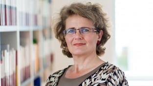 Dr. Carolina Kusnick (ck)