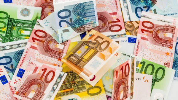 Gehälter steigen ab Januar