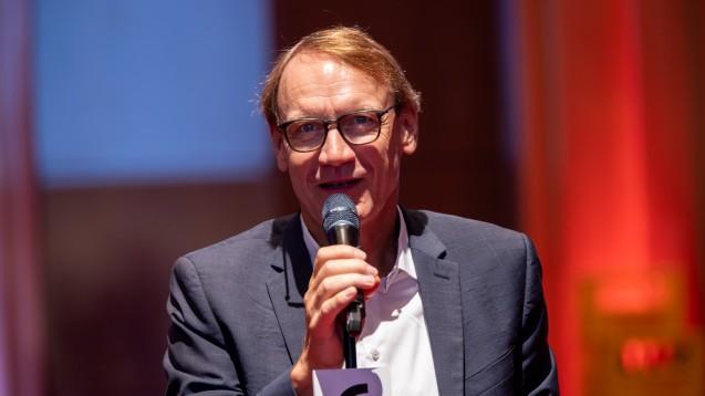 Thomas Preis, Vorsitzender des Apothekerverbandes Nordrhein, fordert den vorläufigen Insolvenzverwalter von AvP auf, die noch im Rechenzentrum befindlichen Rezepte herauszugeben. (Foto: DAZ/A.Schelbert)