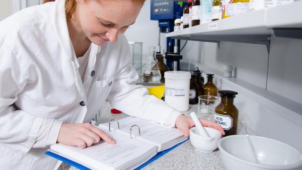 Octenidin-Zubereitungen: So klappt's mit dem Ringversuch