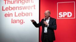 Wolfgang Tiefensee ist Spitzenkandidat der SPD in Thüringen. Seine Partei hat ein Wahlprogramm beschlossen, in dem vor den Gefahren des Arzneimittel-Versandhandels gewarnt und die Gleichpreisigkeit gefordert wird. (Foto: Imago)