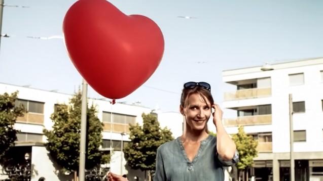 In der Schweiz sorgt ein Kino-Spot des Baseler Apothekerverbandes für Ärger. (Screenshot: apothekerverbandbasel.ch)