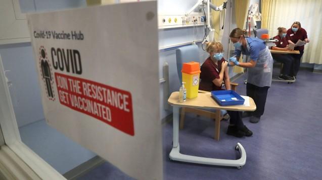 Insgesamt hat Großbritannien für seine rund 67 Millionen Einwohner den Zugang zu 517 Millionen Dosen von acht verschiedenen COVID-19-Impfstoffen gesichert. (Foto: IMAGO / i Images)