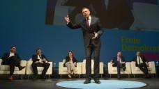 FDP-Bundesvorsitzender Christian Lindner auf der Opernbühne in Stuttgart. (Foto (2): Franziska Kraufmann / dpa)