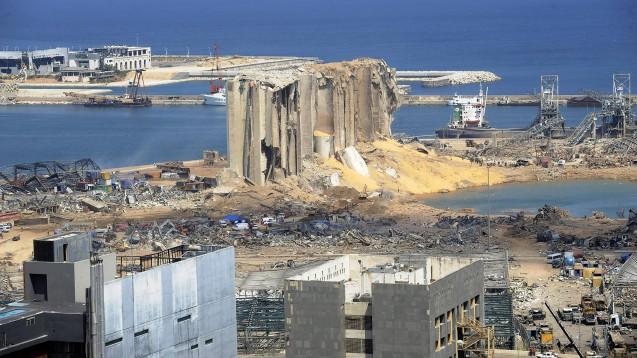 Ein Bild der Zerstörung: Der Hafen der libanesischen Hauptstadt Beirut. Tausende Verletzte sind zu versorgen.(Foto: imago images / UPI Photo)