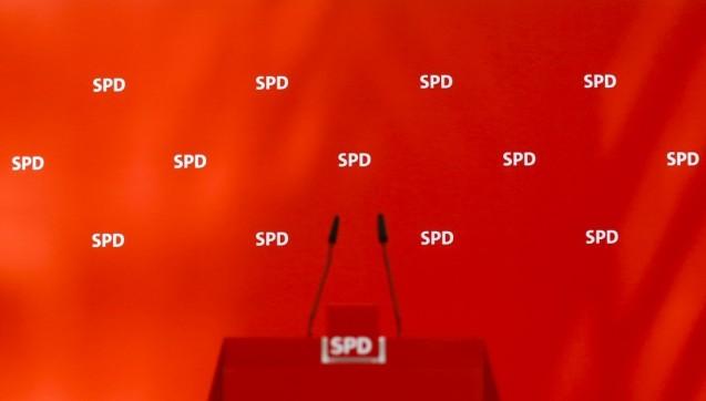 Die Chancen auf die Umsetzung eines Versandhandelsverbotes für verschreibungspflichtige Arzneimittel noch in dieser Legislaturperiode sind erheblich gesunken. Die beiden SPD-geführten Ministerien für Wirtschaft und Justiz haben gegen den Gesetzentwurf des Bundesgesundheitsministeriums Veto eingelegt. Dass das Verbot noch rechtzeitig im Bundeskabinett abgestimmt wird, um vor der Bundestagswahl beschlossen zu werden, wird somit immer unwahrscheinlicher. (Foto: dpa)