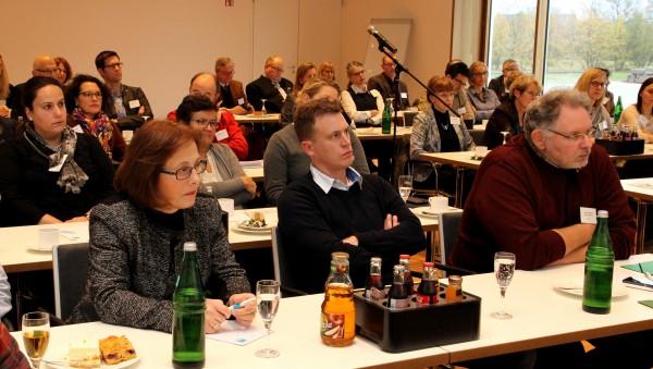 NRW zählt bei Flüchlingsversorgung auf Apotheker