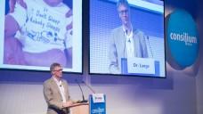 Kinderarzt Dr. Lars Lange klärte die Apotheker auf demPädiatriesymposium über Neurodermitis-Mythen auf. (Foto: lp / DAZ.online)