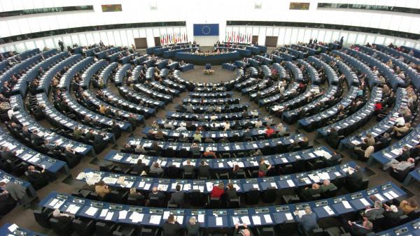EU-Parlament will Glyphosat und Legal Highs verbieten