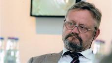 Der ehemalige BfArM-Präsident Prof. Harald Schweim spricht in der aktuellen DAZüber das Rx-Versandverbot, die Länderliste und den Rahmenvertrag.