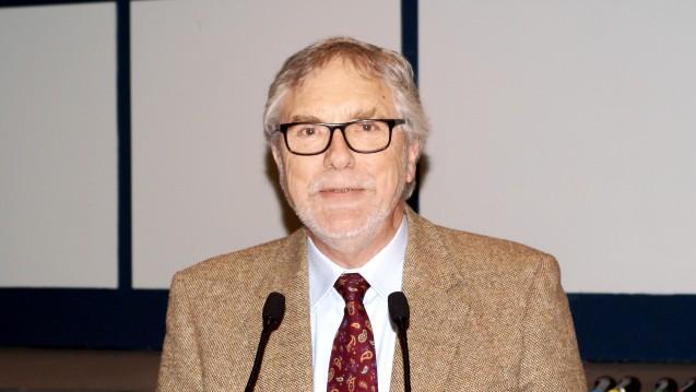 Gerd Ehmen, Präsident der Apothekerkammer Schleswig-Holstein, beim Fortbildungskongress im Ostseebad Damp. (Foto: tmb / DAZ.online)