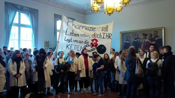 Pharmaziestudenten in LeipzigbesetzenRektorat