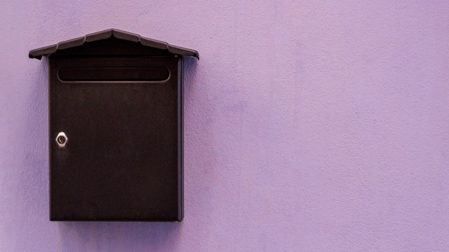 Als Versandapotheke kann man Rezeptbriefkästen quasi überall in der Nähe anbringen. (Foto: vejaa /stock.adobe.com)