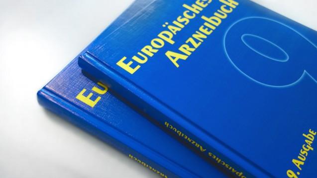 In der Ausgabe 9.0 des Ph. Eur. sind noch die alten Sartan-Monographien, laut denen keine Prüfung auf Nitrosamine vorgeschrieben ist. Ausgabe 10.0, die im Januar 2020 in Kraft tritt, enthält dann die geänderten Sartan-Monographien. (c / Foto: Deutscher Apotheker Verlag)