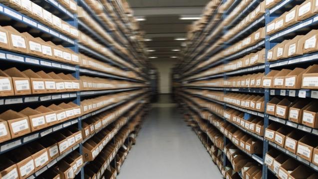 Der Versandhandel mit nicht rezeptpflichtigen Arzneimitteln und anderen Gesundheitsprodukten ist 2016 kräftig gewachsen. Die Apotheken vor Ort verloren so manche Packung an die Online-Konkurrenz. (Foto: dpa / Bildfunk)