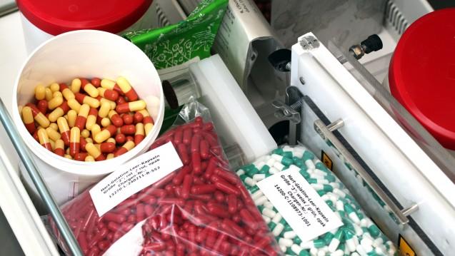 Kapselherstellung in der Apotheke: Ein Gericht missversteht die pharmazeutische Arbeit. (Foto: Sket)
