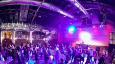 Die Party der Jubiläums-Interpharm fand in den Stuttgarter Wagenhallen statt. (Fotos: Schelbert)
