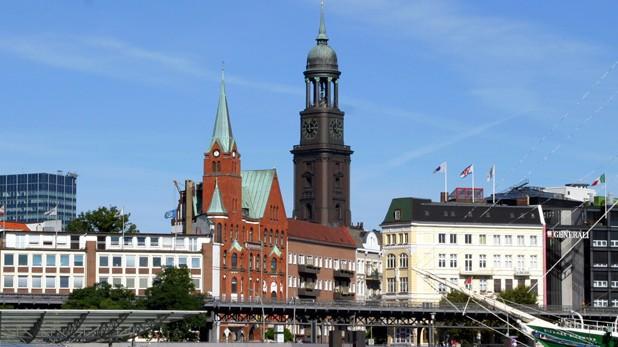 In Hamburg herrscht dicke Luft zwischen Apothekern und AOK. (Foto: Bilderbox)