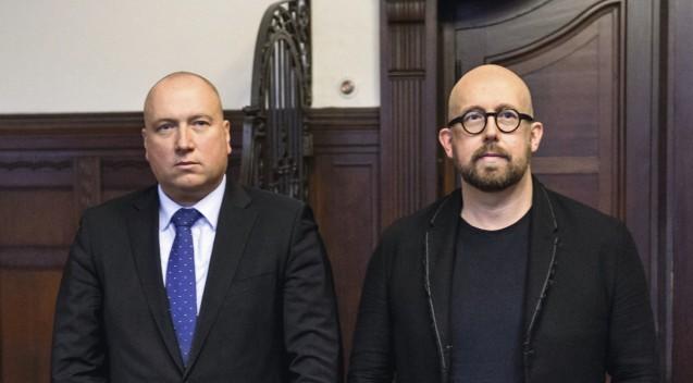 Anwalt Wegner und Angeklagter Bellartz: Der sogenannte Datenklau-Prozess zieht sich in die Länge. Am heutigen Freitag gab es jedoch Hinweise, dass es bald eine Entscheidung geben könnte. (s/ Foto: Külker)