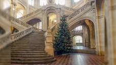 Weihnachtsstimmung im Kriminalgericht Berlin Moabit. Anfang des Jahres dürfte kaum jemand gedacht haben, dass der Prozess gegen Thomas Belllartz sich länger als ein Jahr hinzieht. (Foto: DAZ.online/ks)
